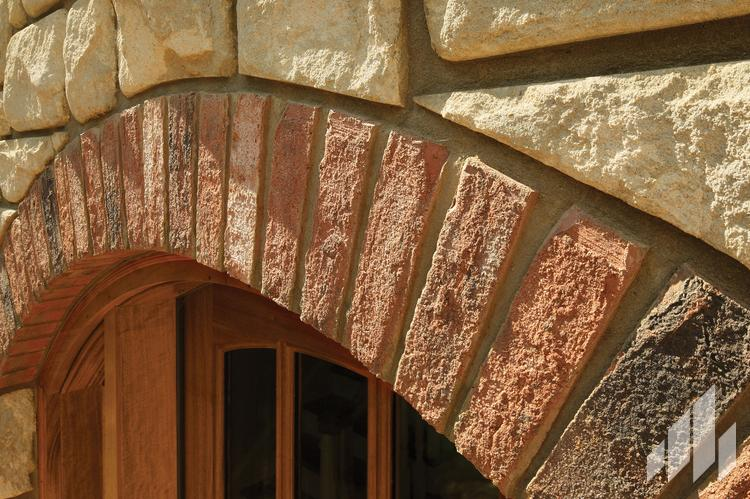 Olde-Georgian-Tudor-All-Brick-10