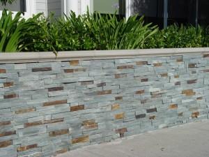 bluestone-veneer-retaining-wall-stone-veneer-maureen-gilmer_5072