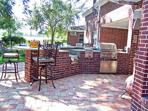 brick-flooring-outdoor-kitchen-design-ideas